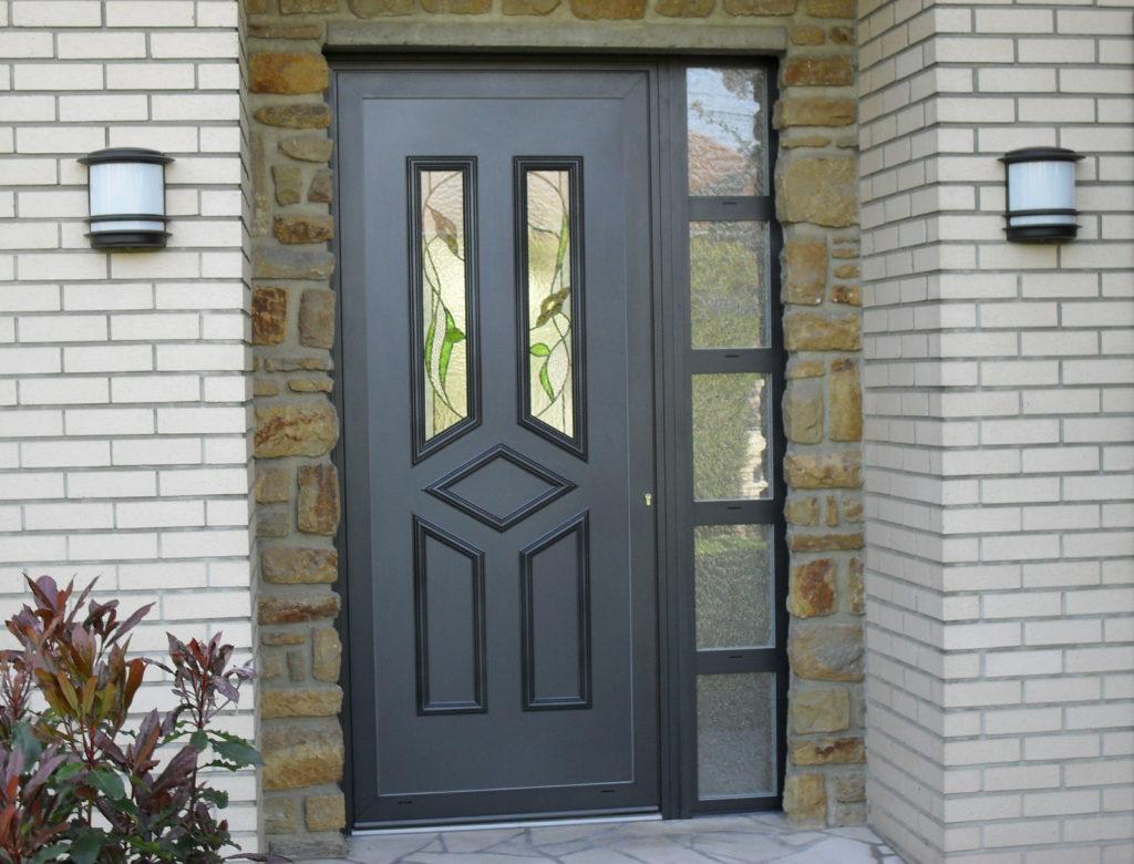 Portes d'entrée en bois, PVC et aluminium Pastant Frères
